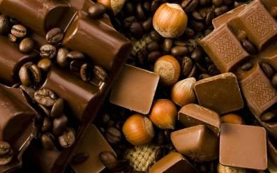 dark-chocolate-seasoned-with-nuts-and-coffee_1920x1200_19-wide.jpg